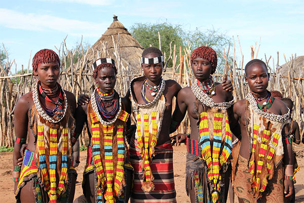travel ethiopia hamer girls